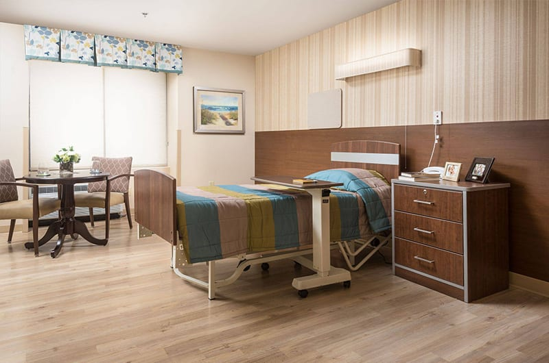 lincoln-care-nursing-home-room1